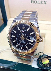 Rolex replica Sky-Dweller 326933 Bi-Colour Black Dial3